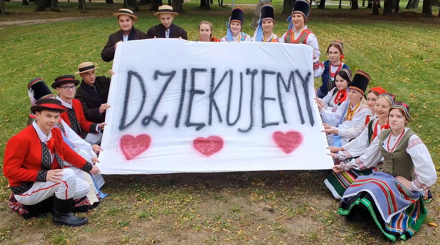 Życzenia uczniów Zespołu Szkół w Niećkowie z okazji Dnia Edukacji Narodowej